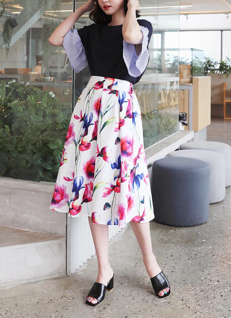 フローラルミディスカート・全2色