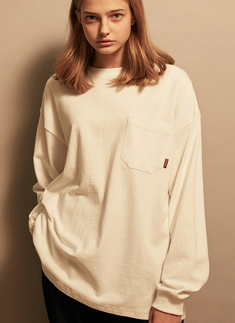 *F.ILLUMINATE*ユニセックスオーバーフィットポケットTシャツ(アイボリー)