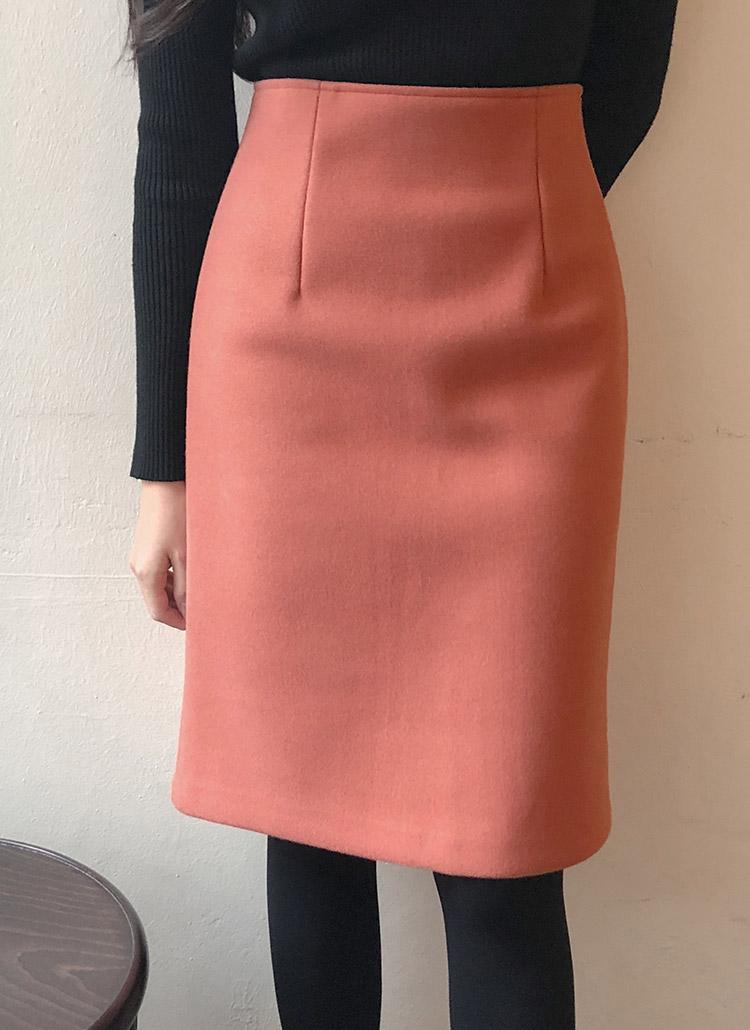ウールブレンドスリムラインスカート