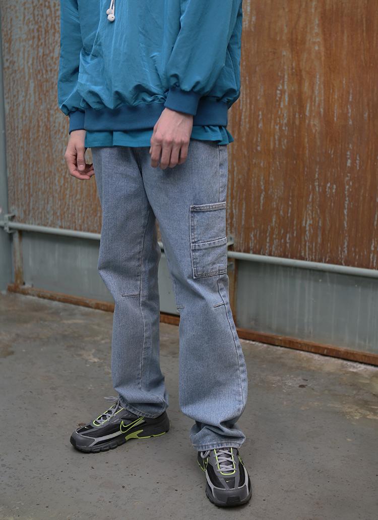 刺繍ポイントウォッシュドジーンズ(ブルー)
