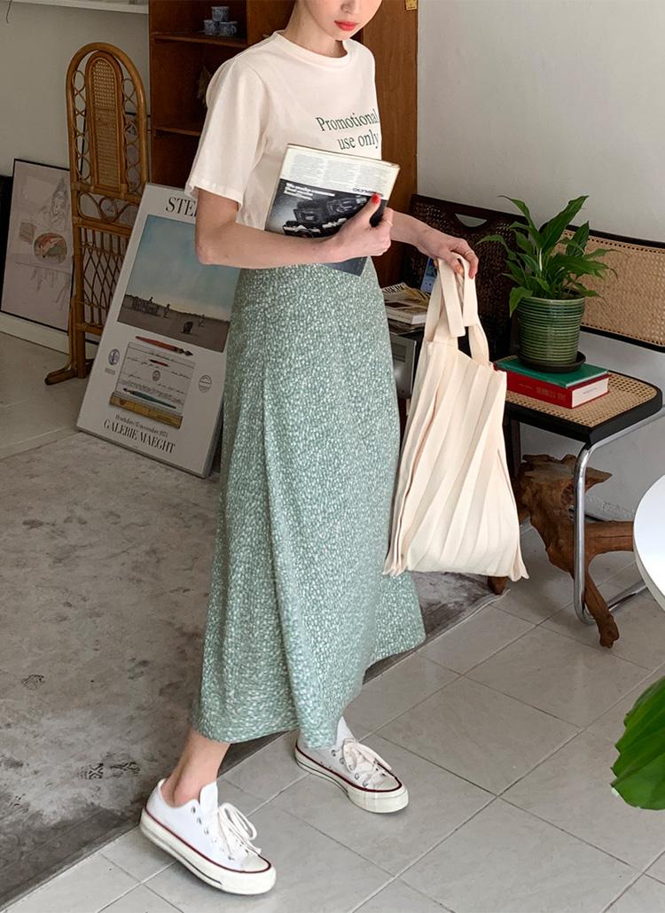 小花柄フレアロングスカート・全2色