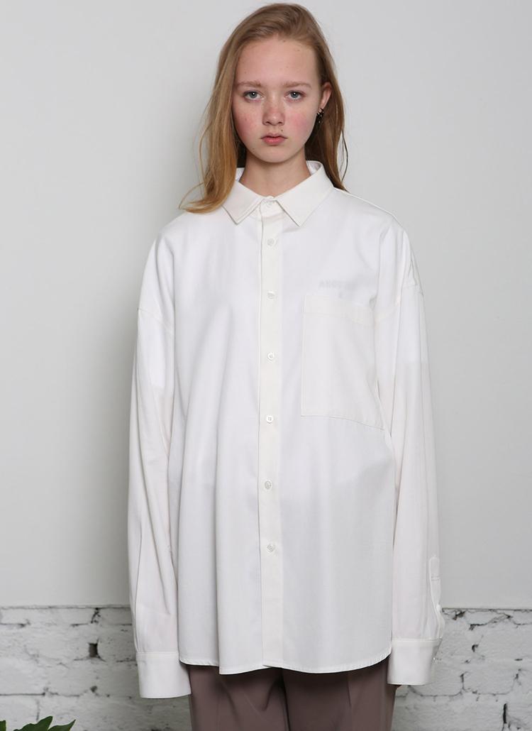 ユニセックスオーバーフィットシャツ(ホワイト)
