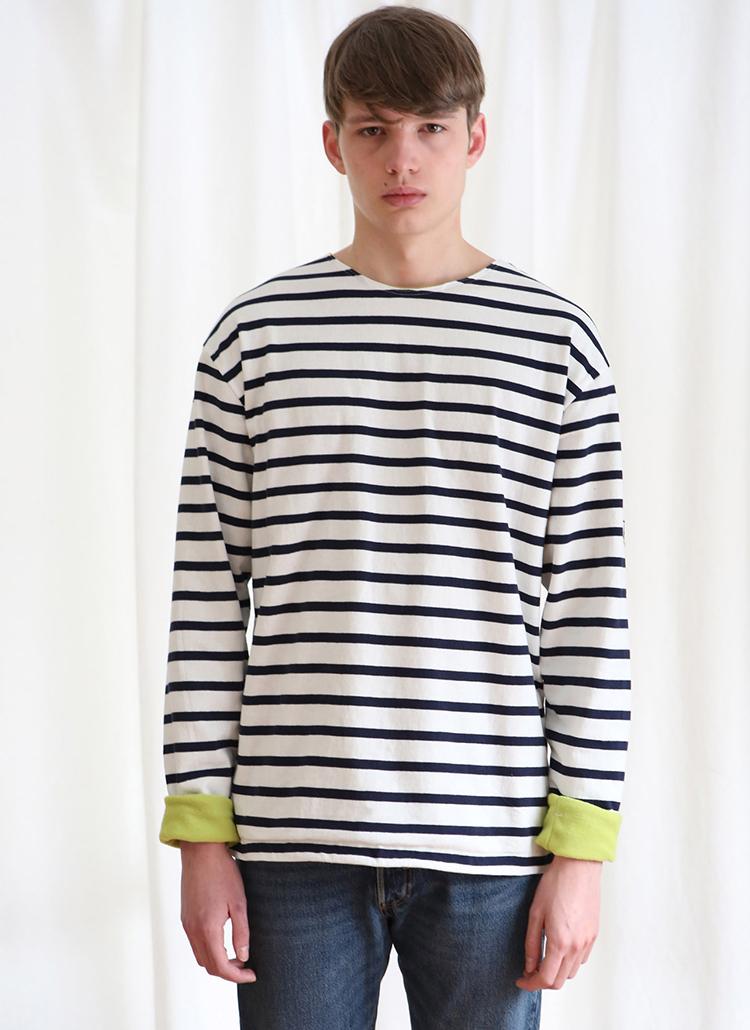 インナーカラーボーダーTシャツ(ネイビー)