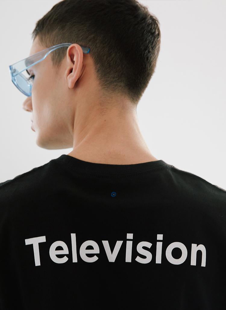 エレクトロニックTシャツ(ブラック)