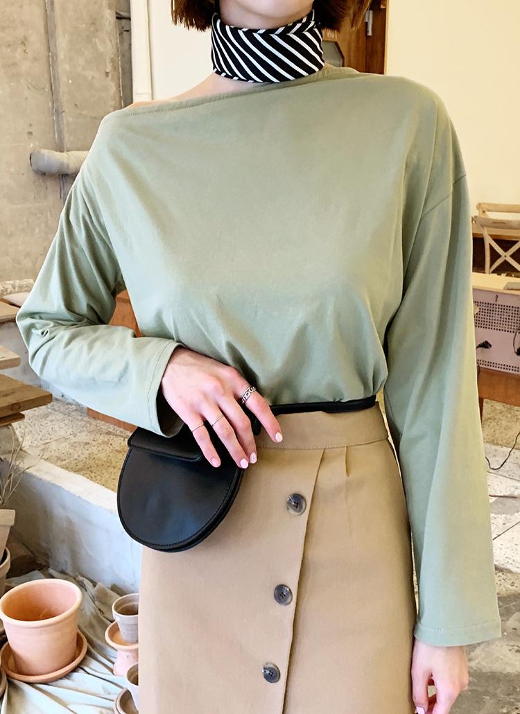 ダイアゴナルオフショルTシャツ・全3色