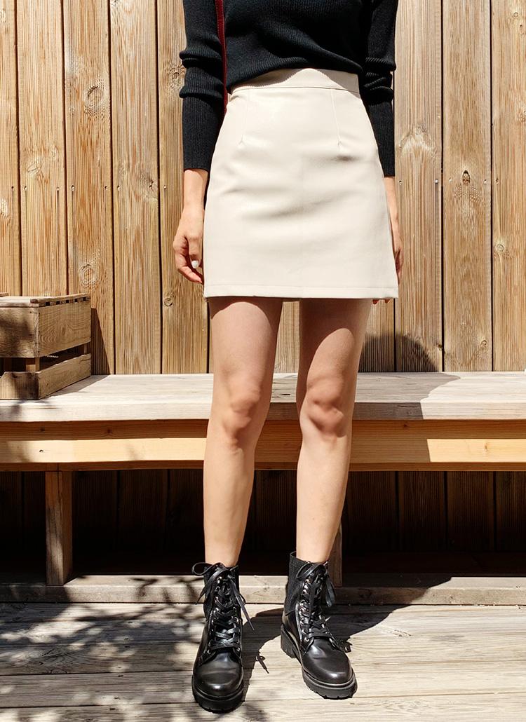 レザー調ミニスカート・全2色