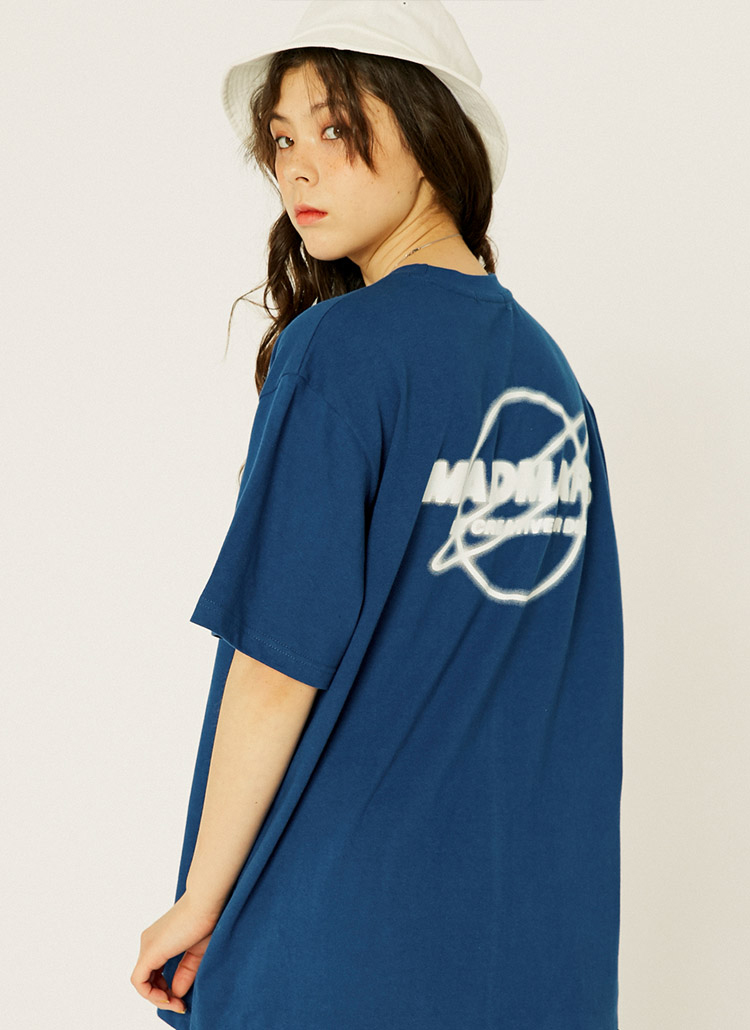 EARTHモチーフロゴ半袖Tシャツ(ネイビー)