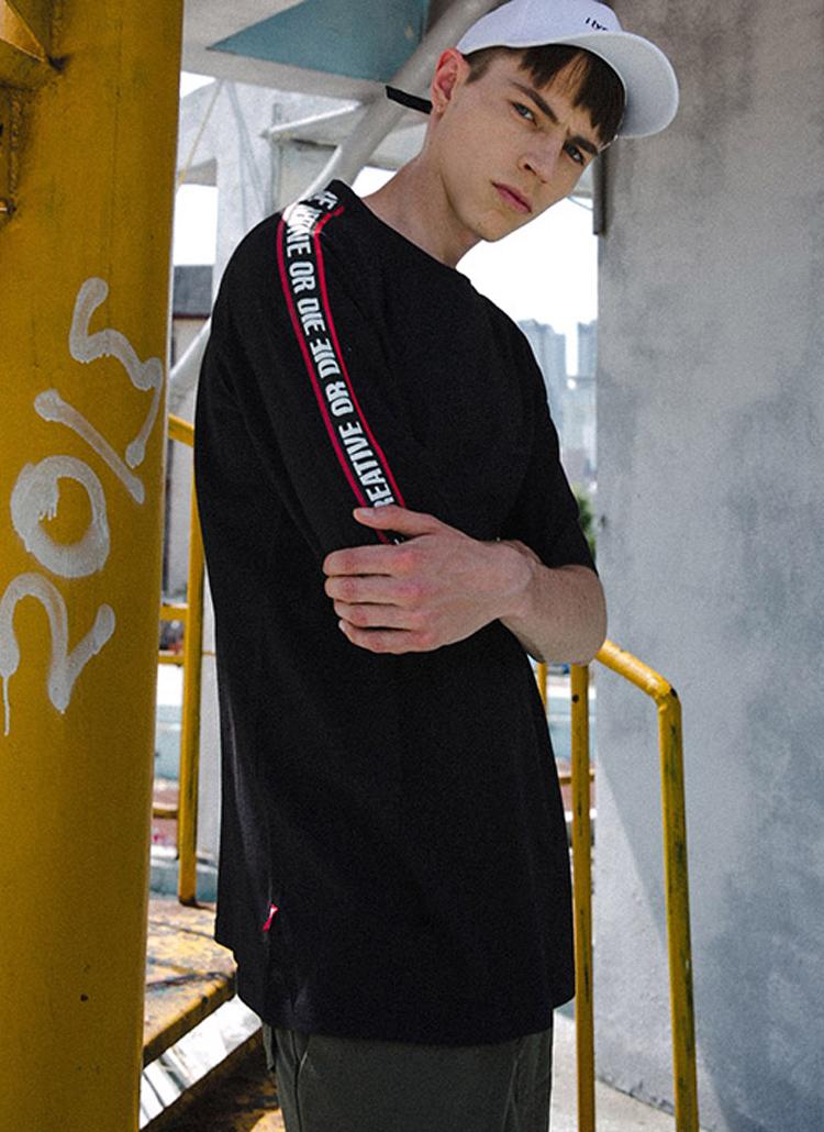 レタリングラインコットンTシャツ(ブラック)