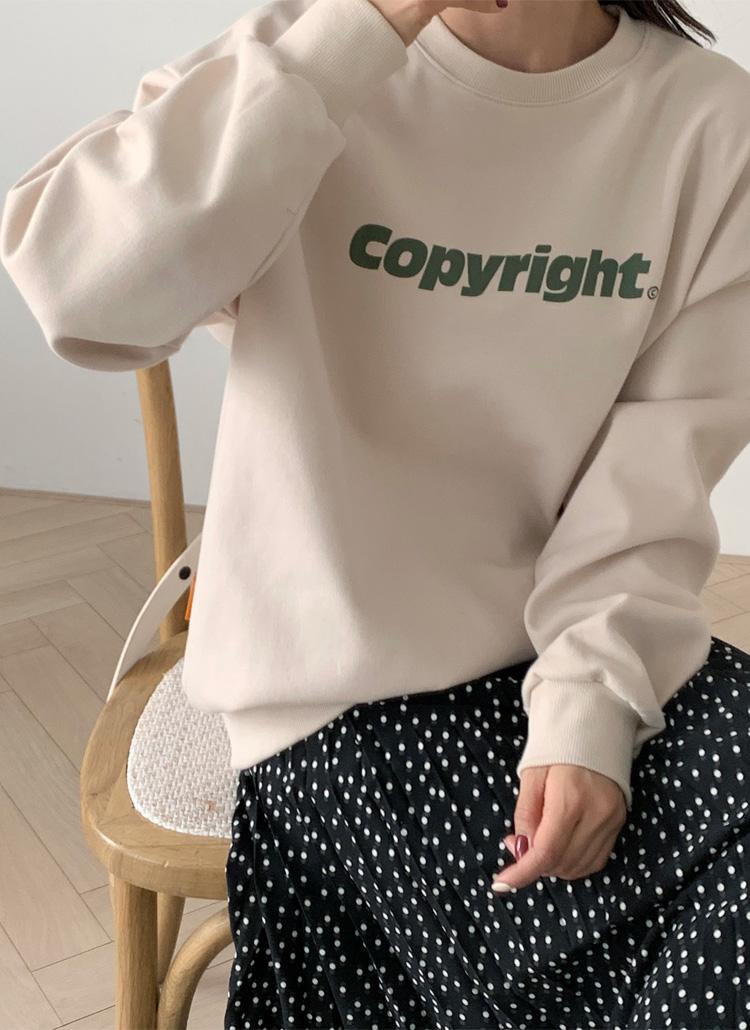 Copyrightスウェット・全4色
