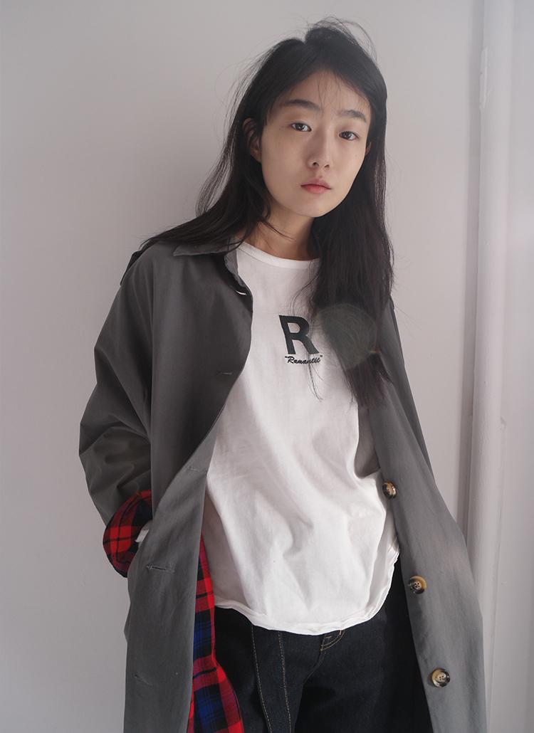 RレタリングコットンTシャツ