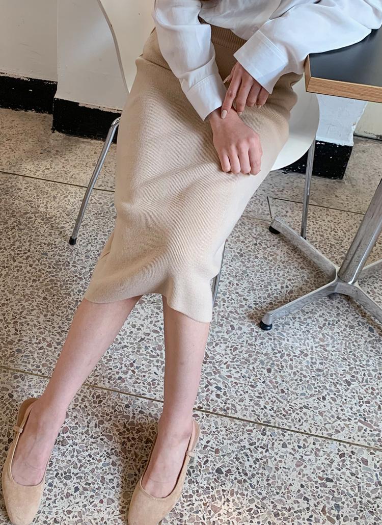 ストレッチニットスカート