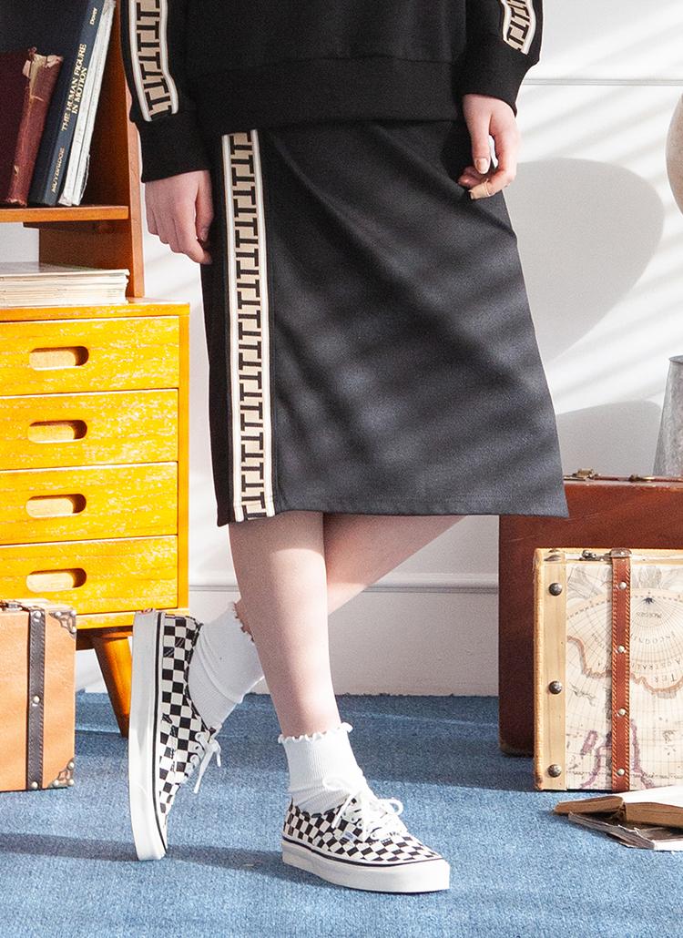 サイドTロゴテープスカート(ブラック)