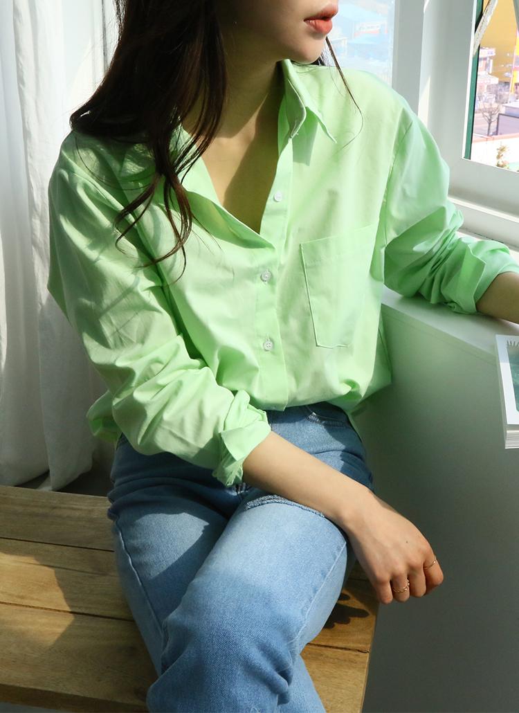 シンプルベーシックシャツ