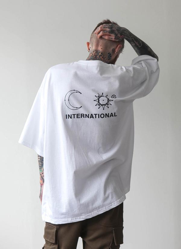 InternationalオーバフィットTシャツ