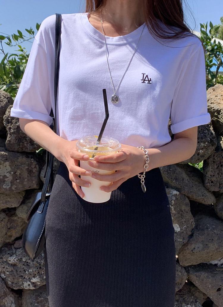 LAミニロゴ半袖Tシャツ