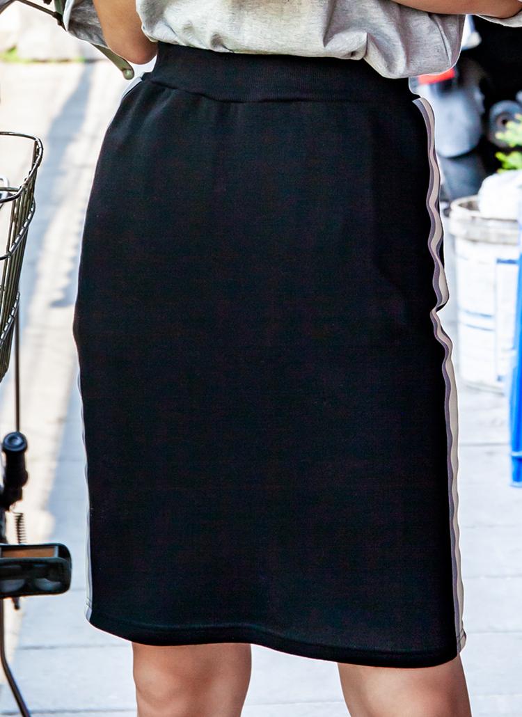 サイド配色ラインイージースリットスカート(ブラック)