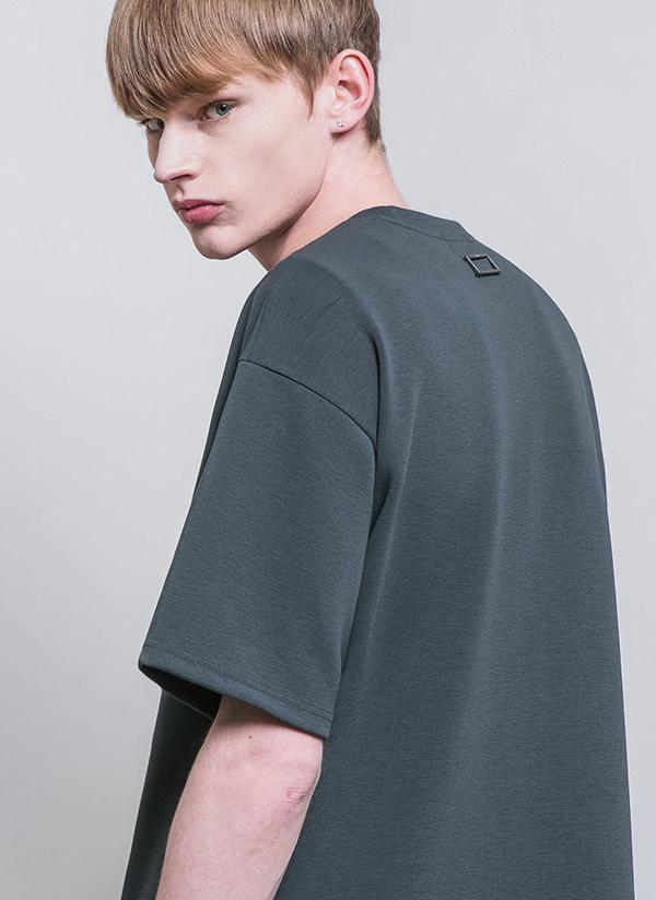 バックスクエアモチーフTシャツ(アッシュグリーン)