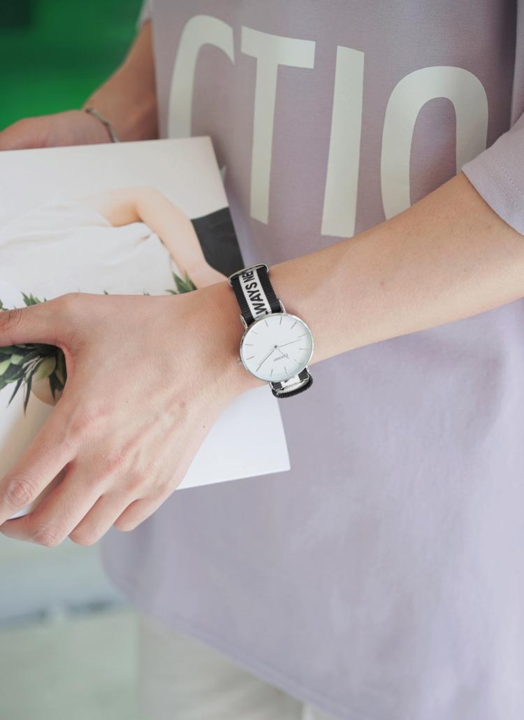 レタリングストラップ腕時計