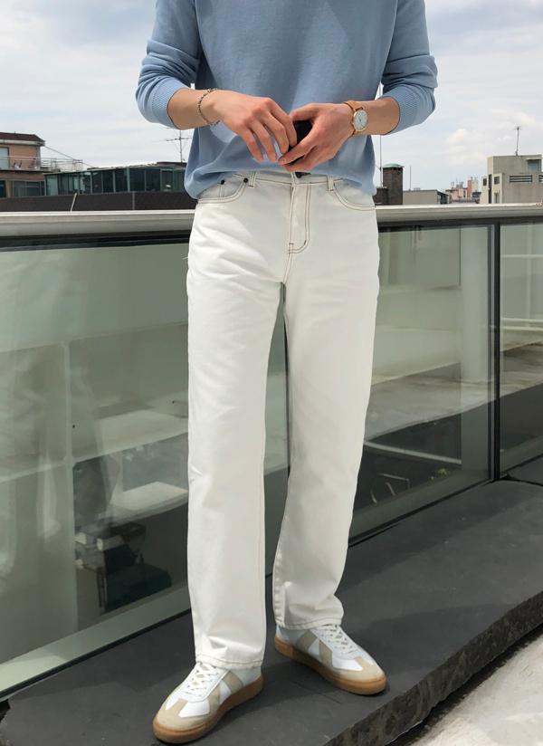 ステッチラインホワイトカラーパンツ
