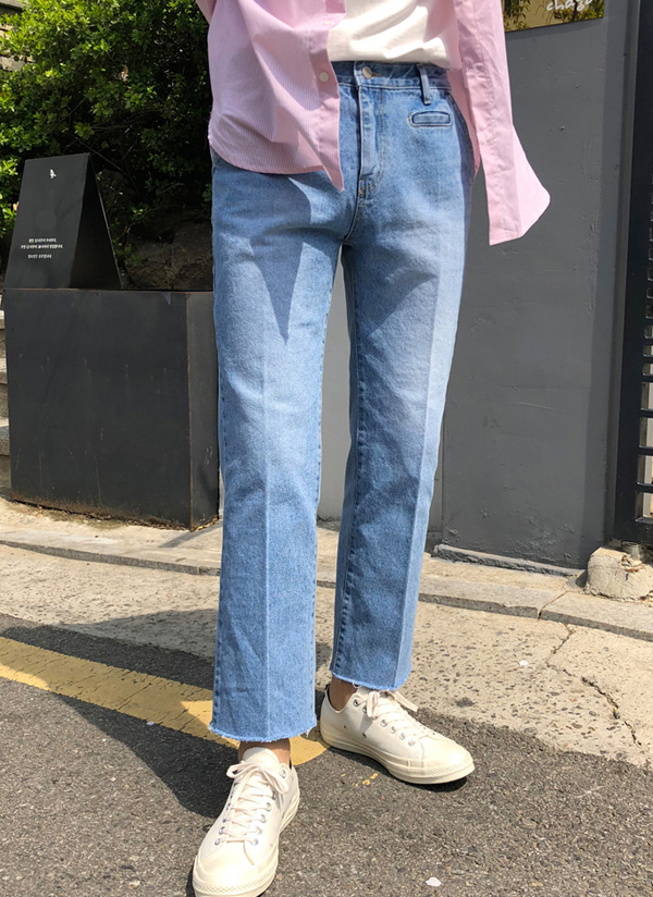 フロントポケットポイントジーンズ