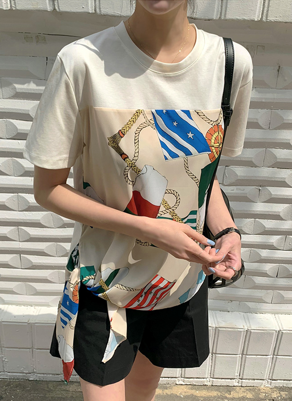 フラッグスカーフTシャツ