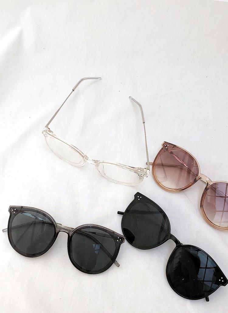 UV400プラスチックフレームサングラス・全4色