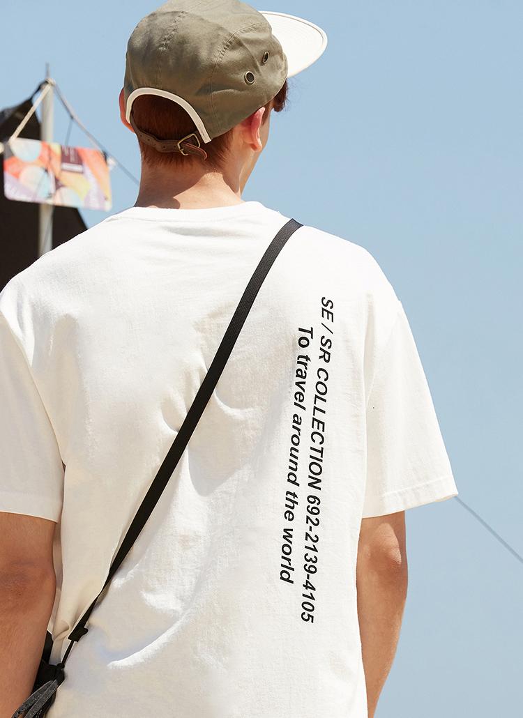 バーチカルレタリングTシャツ(ホワイト)