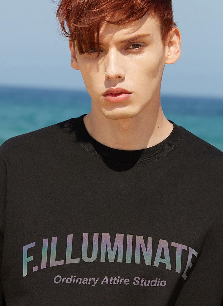 オーバーフィットプリズムロゴTシャツ(ブラック)