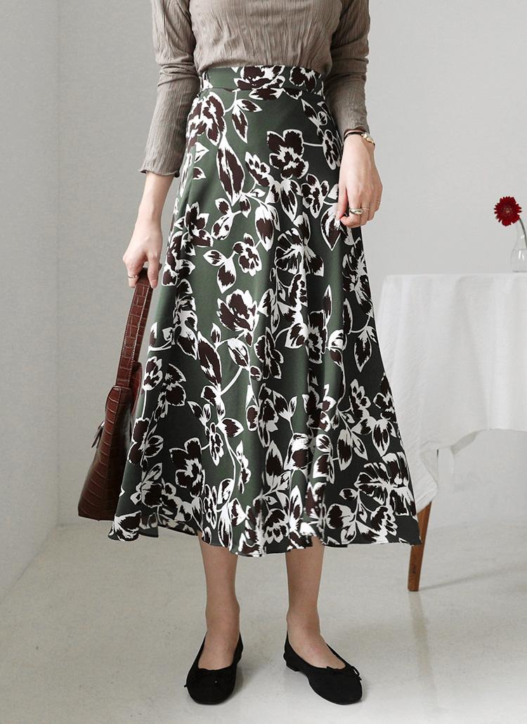 花柄フレアロングスカート・全2色