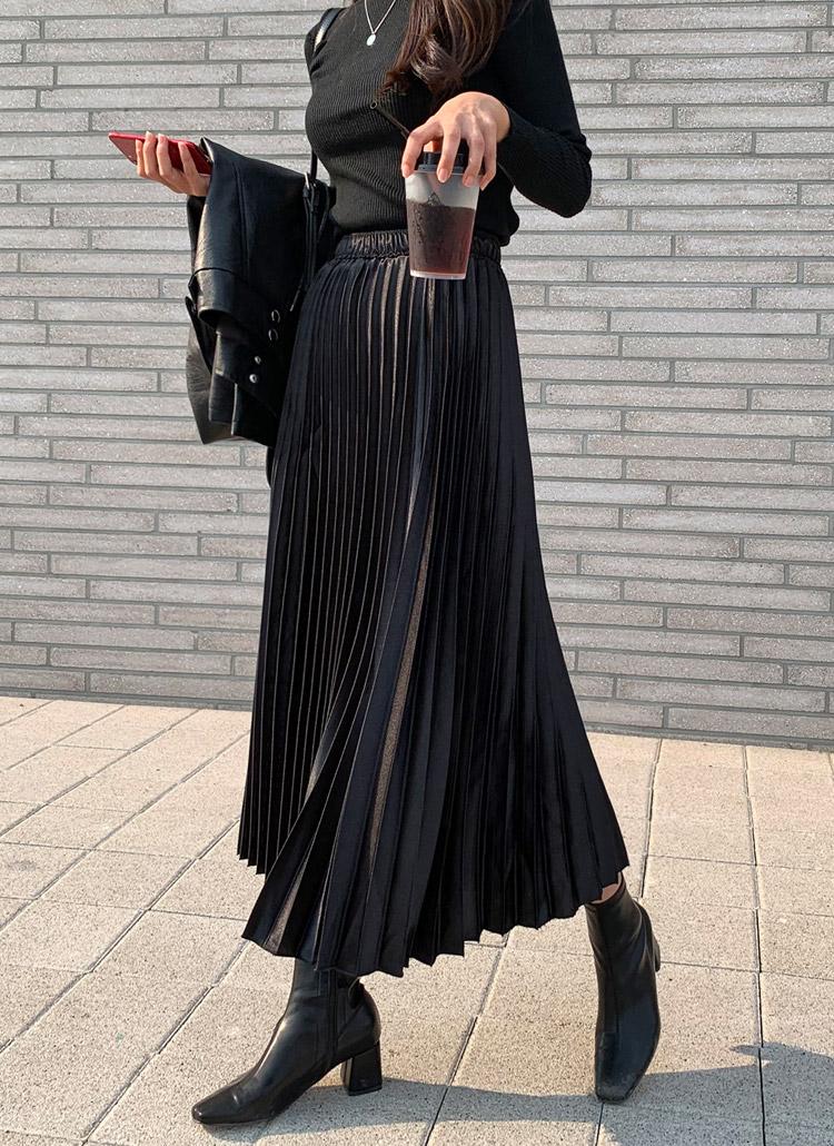 レザー調プリーツスカート