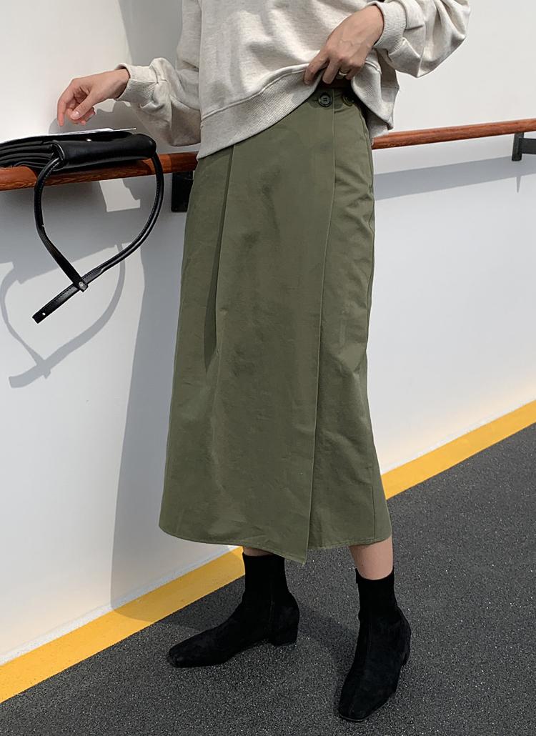 ボタンラップスカート