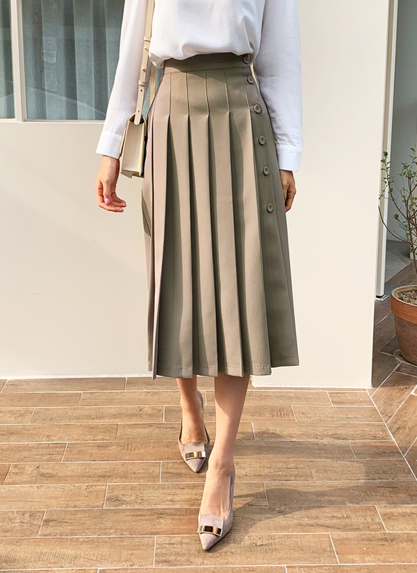 ボタンプリーツスカート