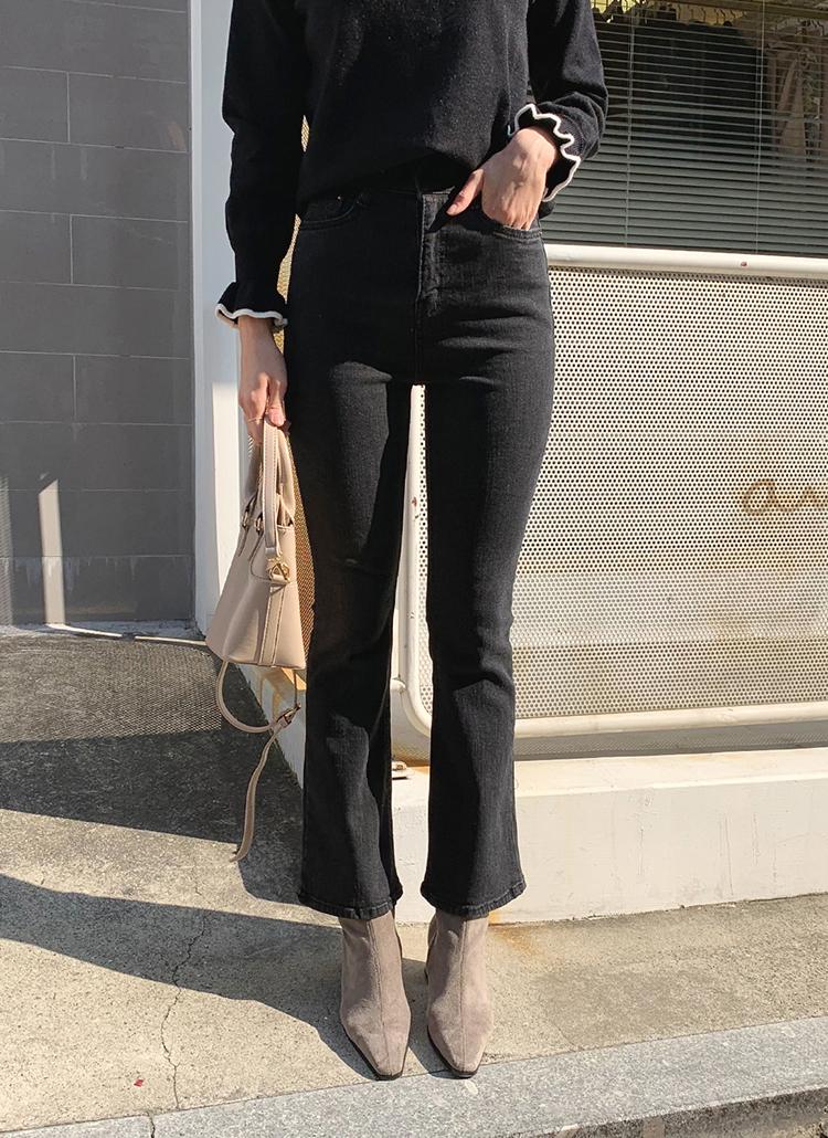 ブラックブーツカットデニムパンツ・全1色