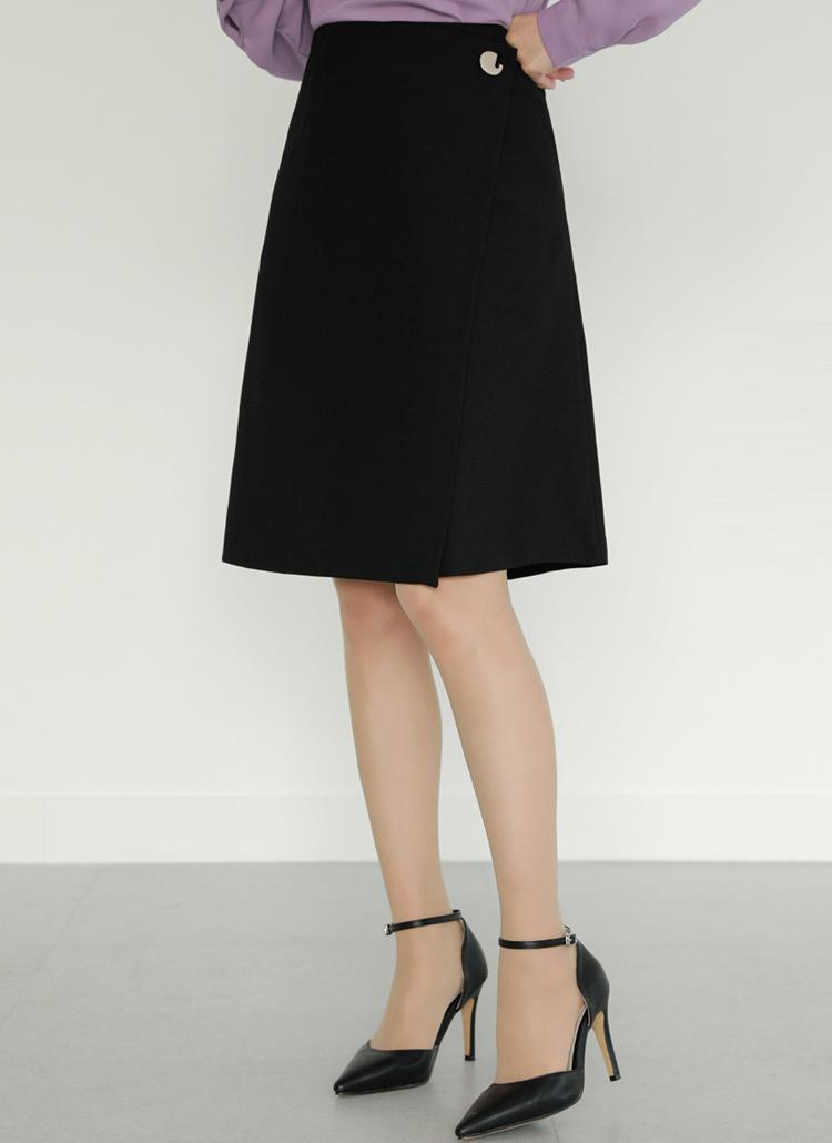 モチーフポイントラップ風スカート