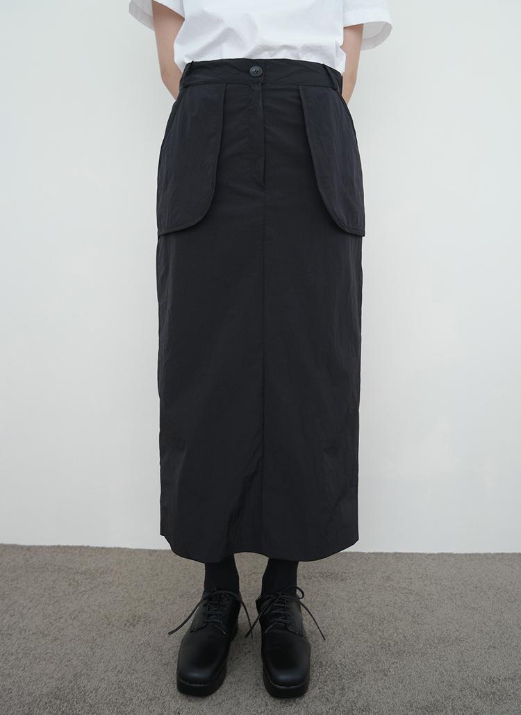 スリットヘムナイロンスカート