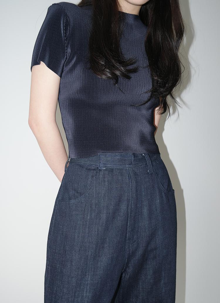 スリムクロップド半袖Tシャツ
