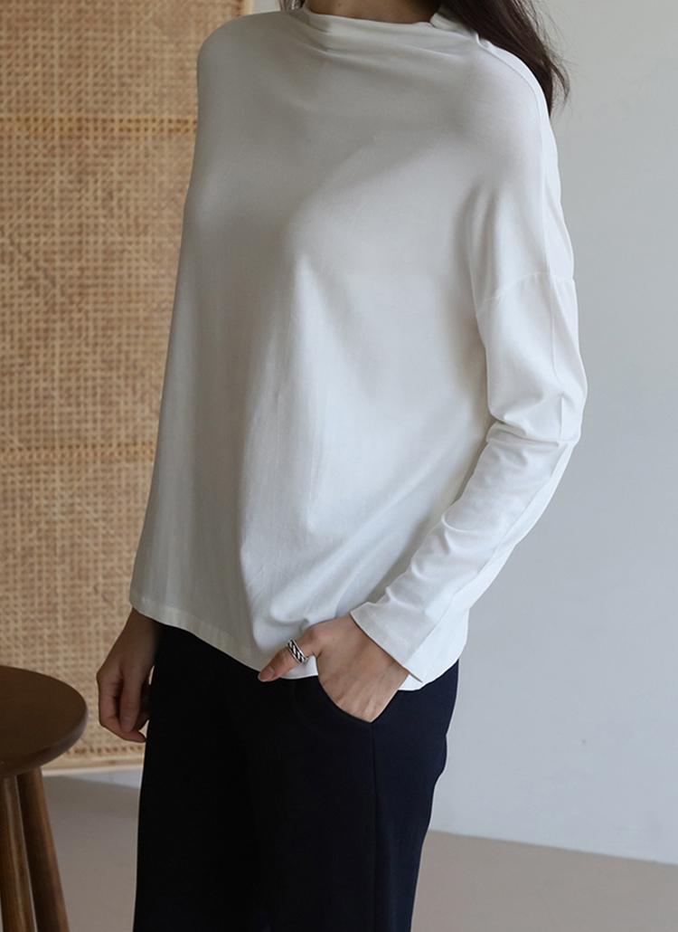 ハーフネック長袖Tシャツ