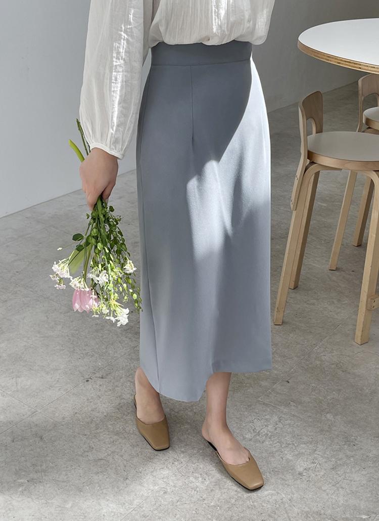 ダーツラインロング丈スカート
