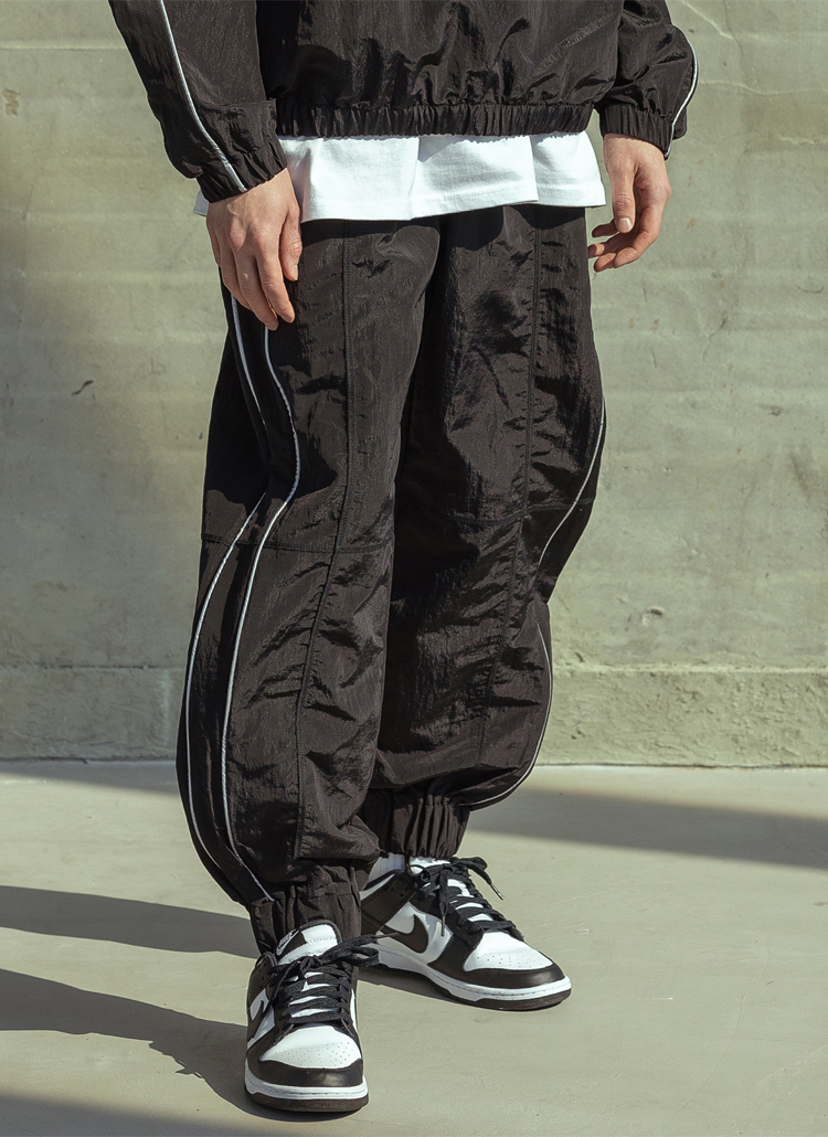 ナイロンパイピングジョガーパンツ(BLACK)