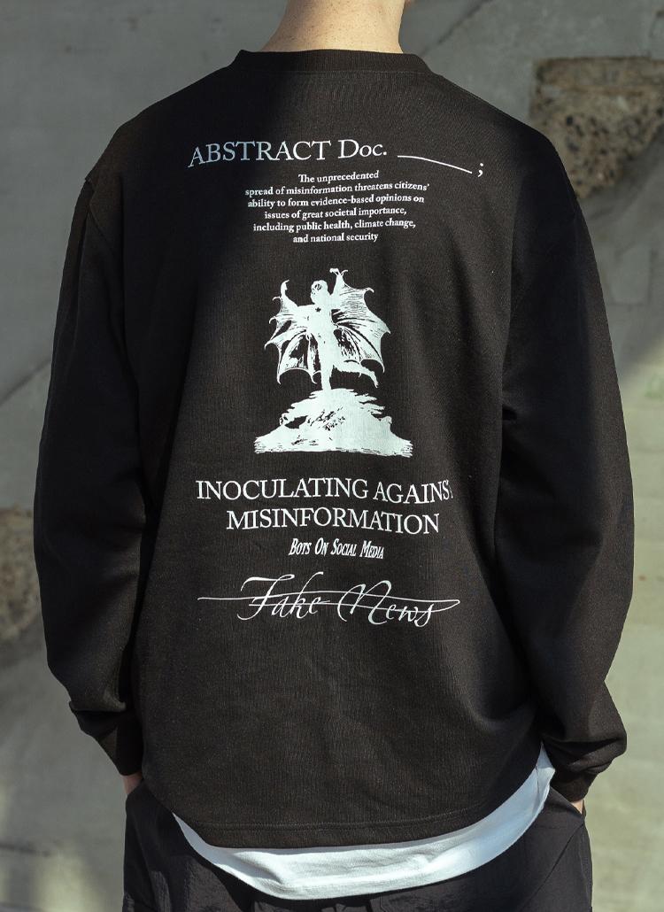 バックマルチプリント長袖Tシャツ