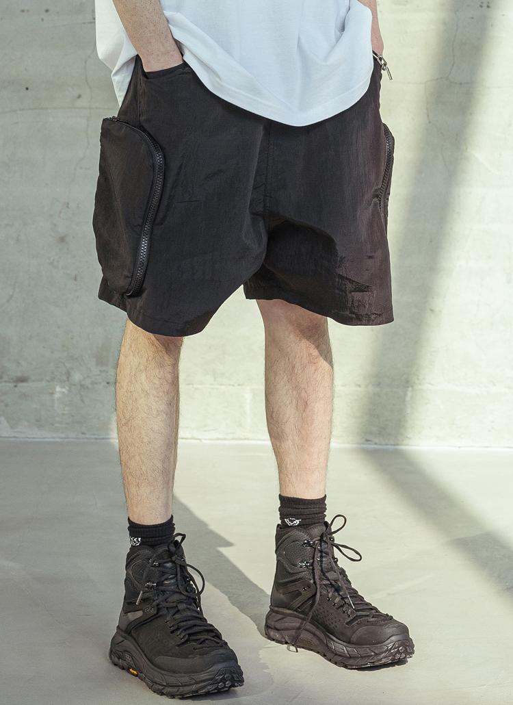 ナイロンジップポケットハーフパンツ(BLACK)