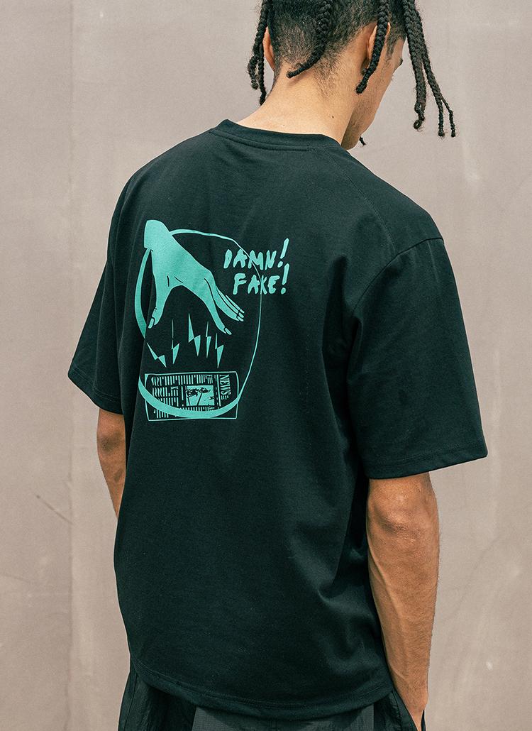 バックサークルレタリング半袖Tシャツ(black)