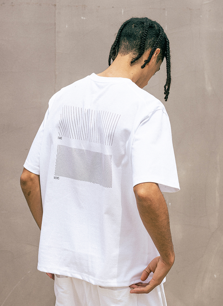 バックラインレタリング半袖Tシャツ(WHITE)