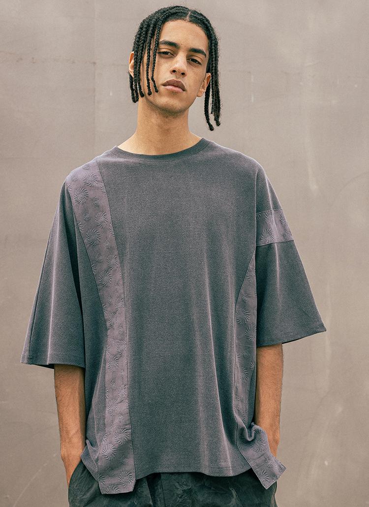 パターンコントラスト半袖Tシャツ(DARK GRAY)