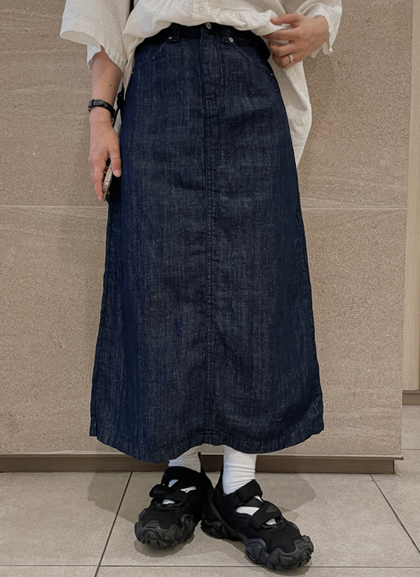 ボタンロングデニムスカート
