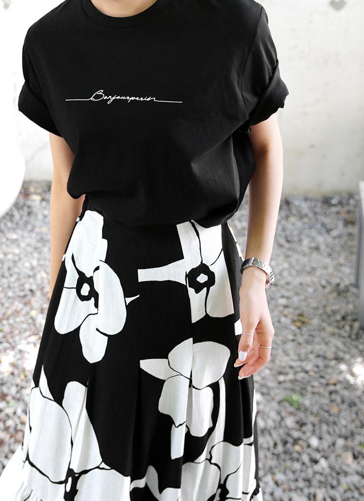 フロントレタリング半袖Tシャツ・全4色