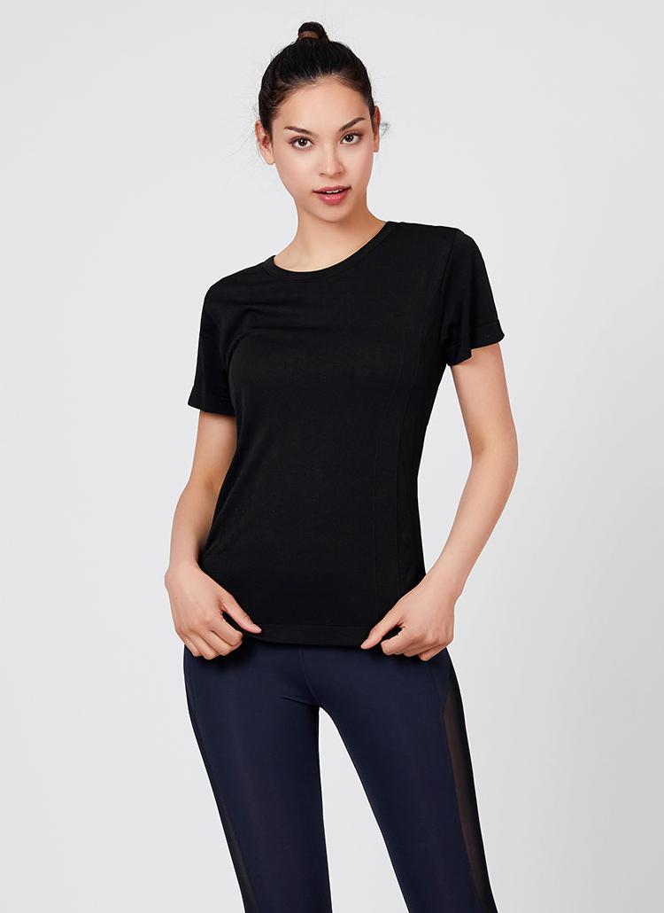 RロゴクルーネックスリムTシャツ(ブラック)
