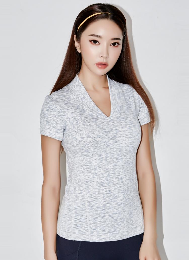 ステッチVネックTシャツ