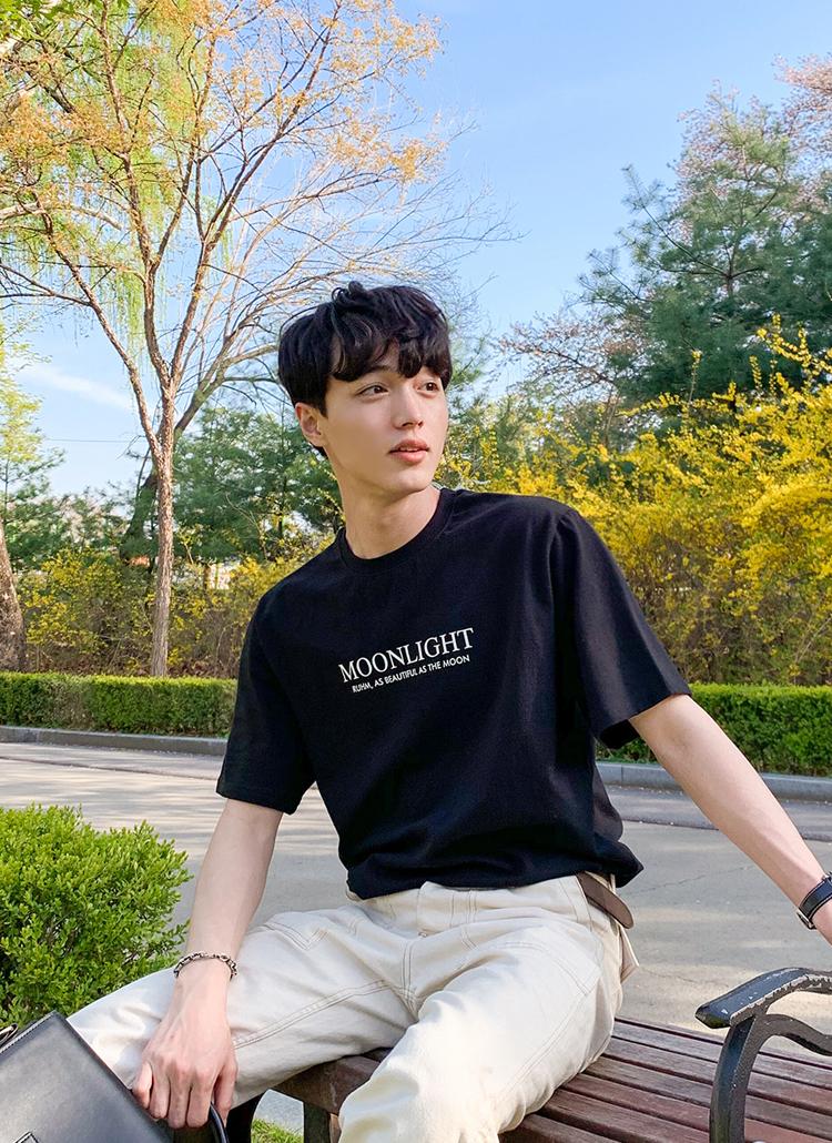 Moonlightフロントレタリング半袖Tシャツ