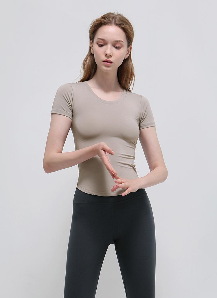 ラウンドカットスリムTシャツ